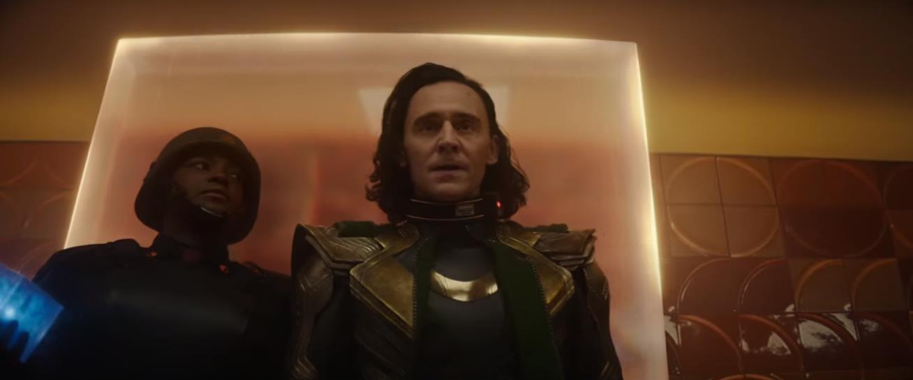 Loki viaja pelo tempo em novo trailer da série do Disney+