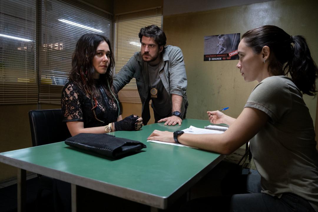 Cidade Invisível, nova série brasileira da Netflix, ganha teaser e data de estreia