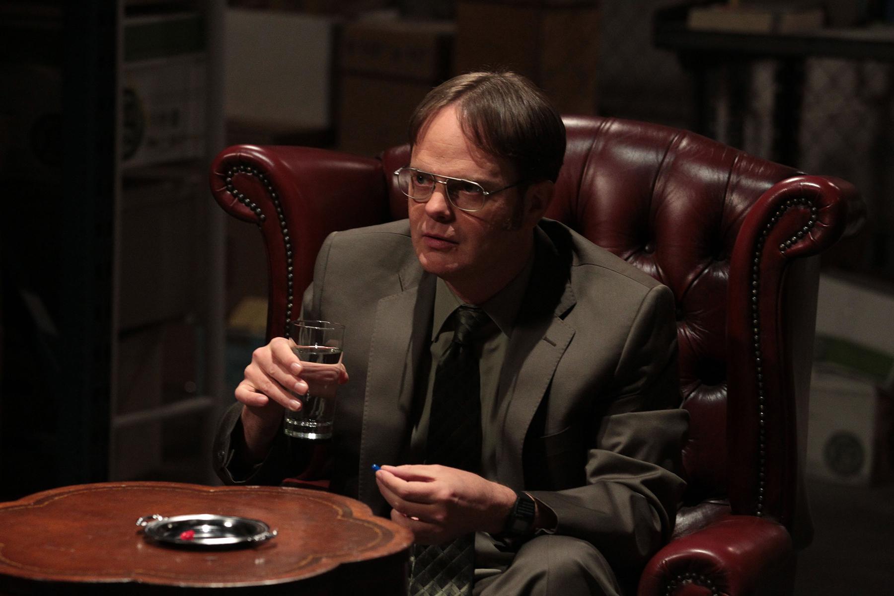 Cena inédita da nona temporada de The Office faz referência e pegadinha com Matrix