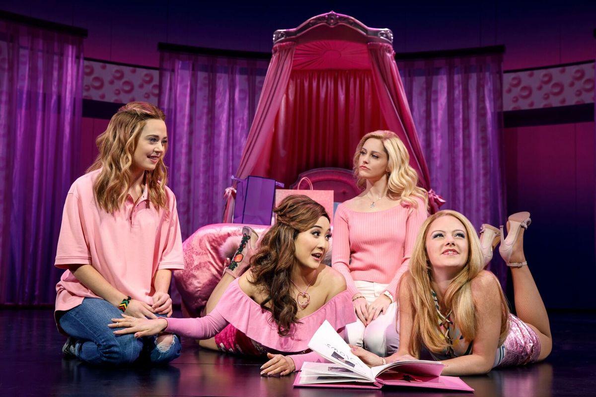 Arturo Perez Jr. e Samantha Jayne dirigirão Mean Girls: The Musical