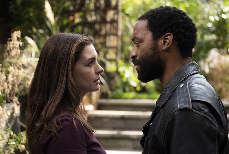 Locked Down, filme de roubo filmado na pandemia com Anne Hathaway, ganha seu primeiro trailer