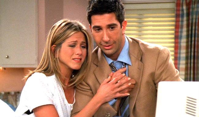 "Friends: The Reunion   David Schwimmer confessa que tinha ""crush"" em Jennifer Aniston"