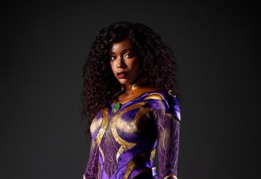 Estelar ganha novo visual na terceira temporada de Titãs; veja