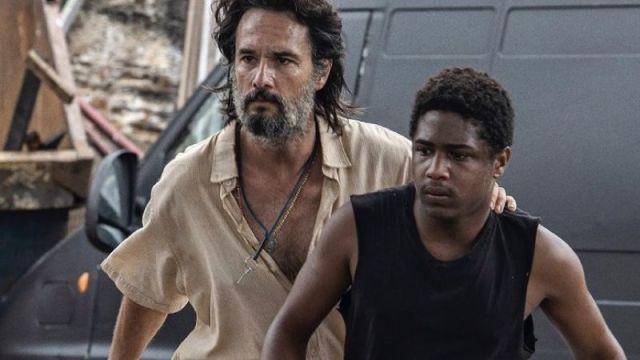 7 Prisioneiros, filme protagonizado por Rodrigo Santoro, ganha trailer pela Netflix
