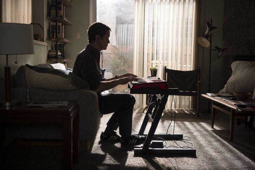 Joseph Gordon-Levitt é o destaque da primeira imagem de Mr. Corman, série estrelada e dirigida pelo ator