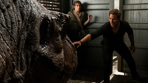 Jurassic World: Dominion ganha pôster e nova data de lançamento