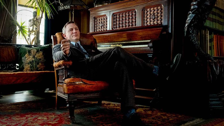 Daniel Craig e Rian Johnson podem ganhar US$ 100 milhões cada por sequências de Entre Facas e Segredos