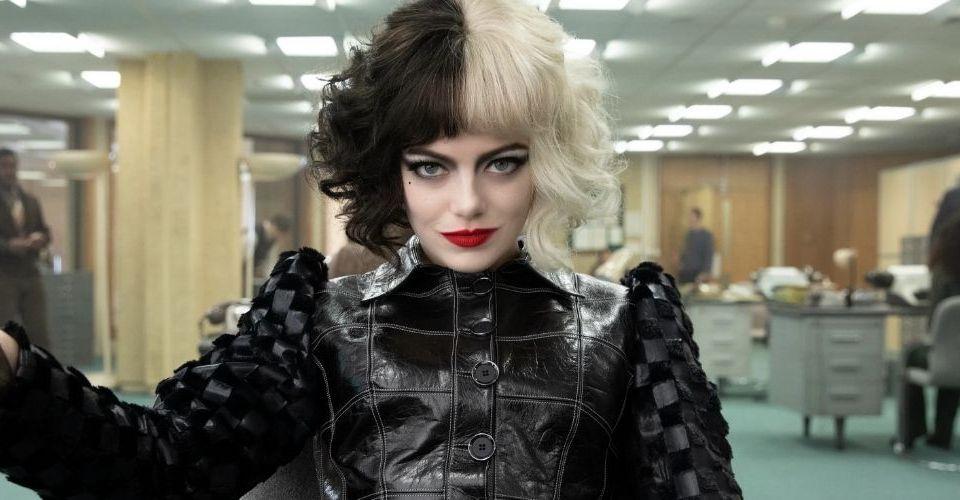 Após Scarlett Johansson, Emma Stone estuda processar a Disney devido ao lançamento híbrido de Cruella