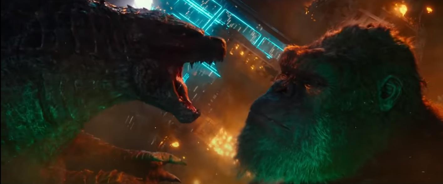 Godzilla pisa em Kong em trailer chinês do filme dos monstros