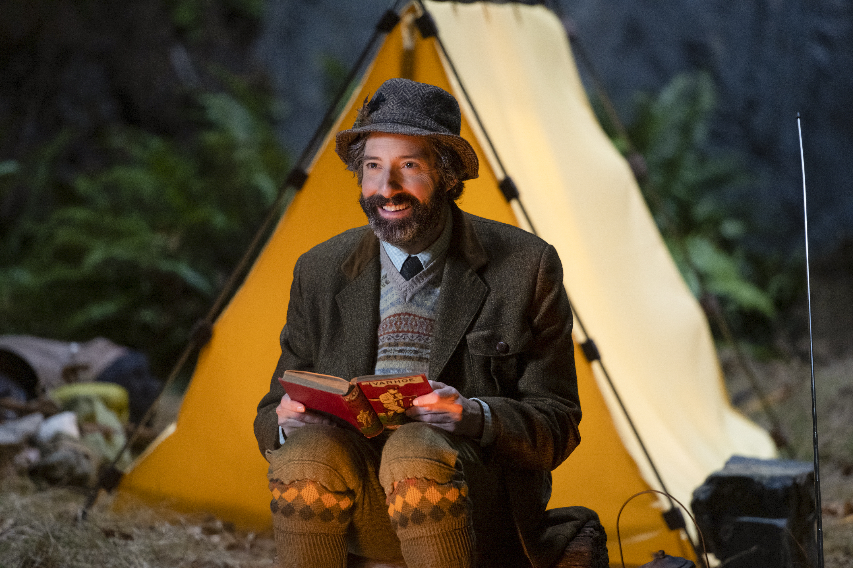 Disney+ divulga primeiro trailer de A Misteriosa Sociedade Benedict, série com Tony Hale
