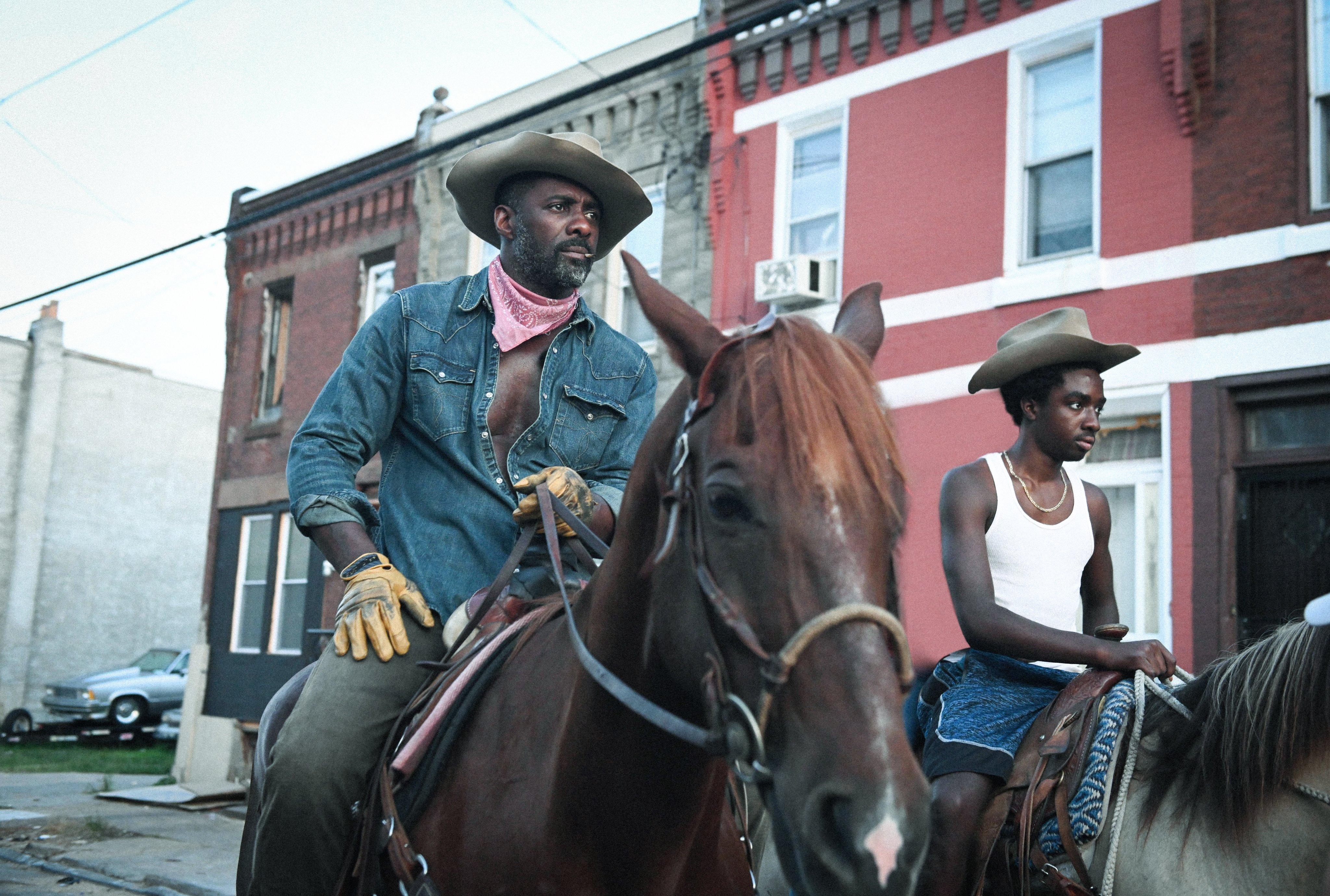 Netflix divulga trailer de Alma de Cowboy, filme estrelado por Idris Elba e Caleb McLaughlin