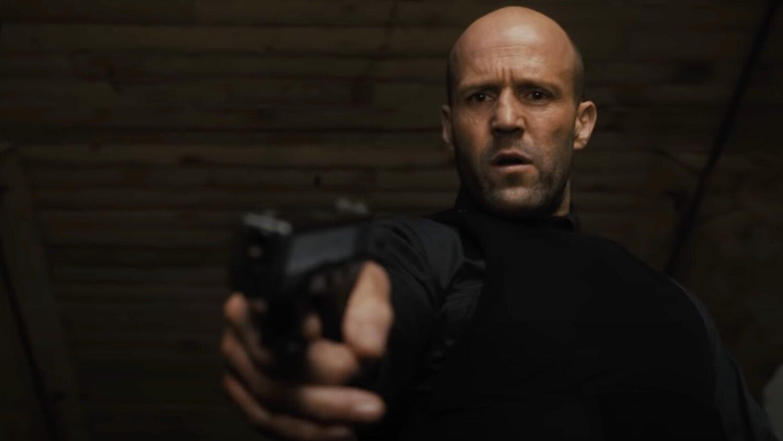 Jason Statham derrama muito sangue em trailer com classificação adulta de Infiltrado