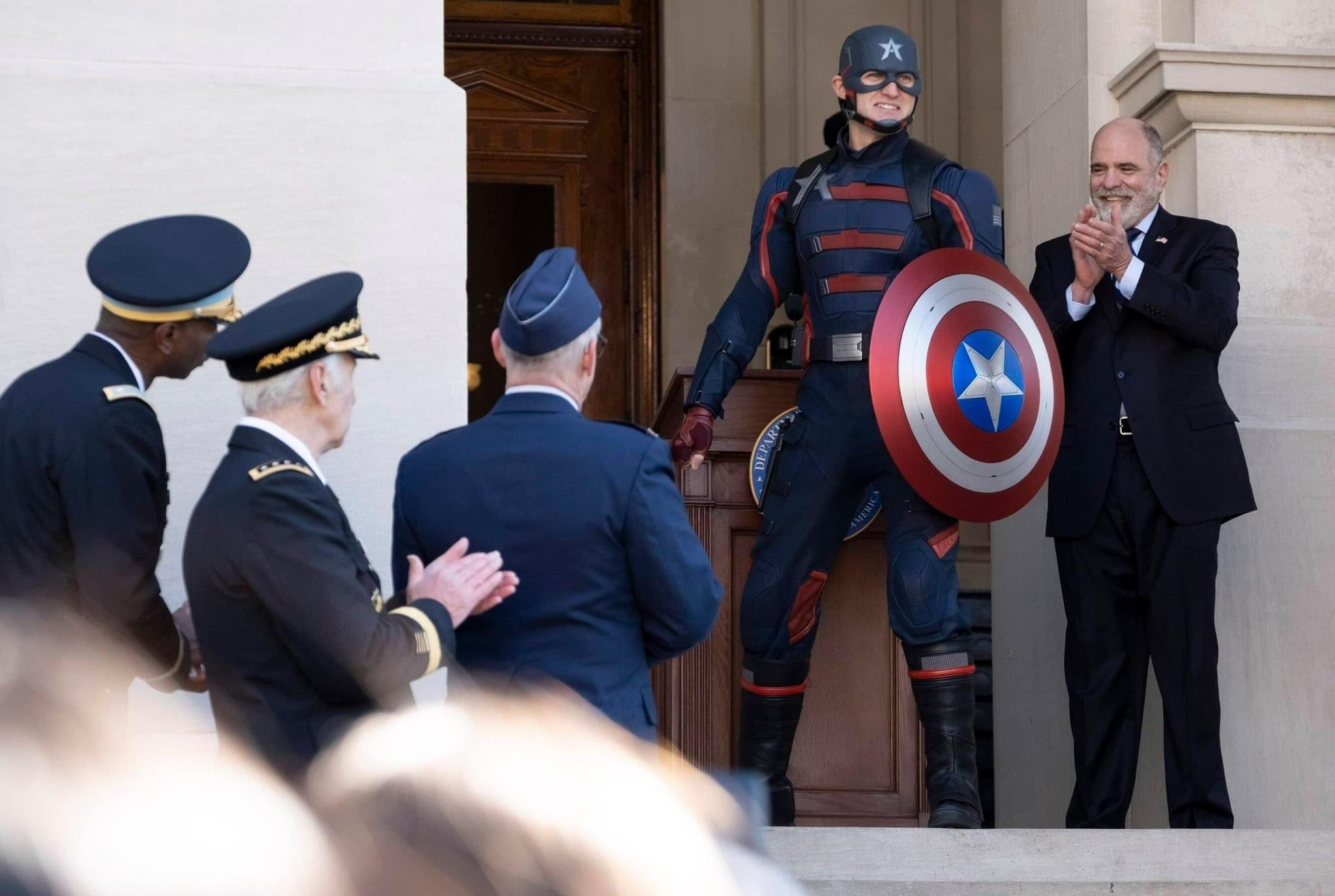 Agente Americano é destaque em nova imagem de Falcão e o Soldado Invernal