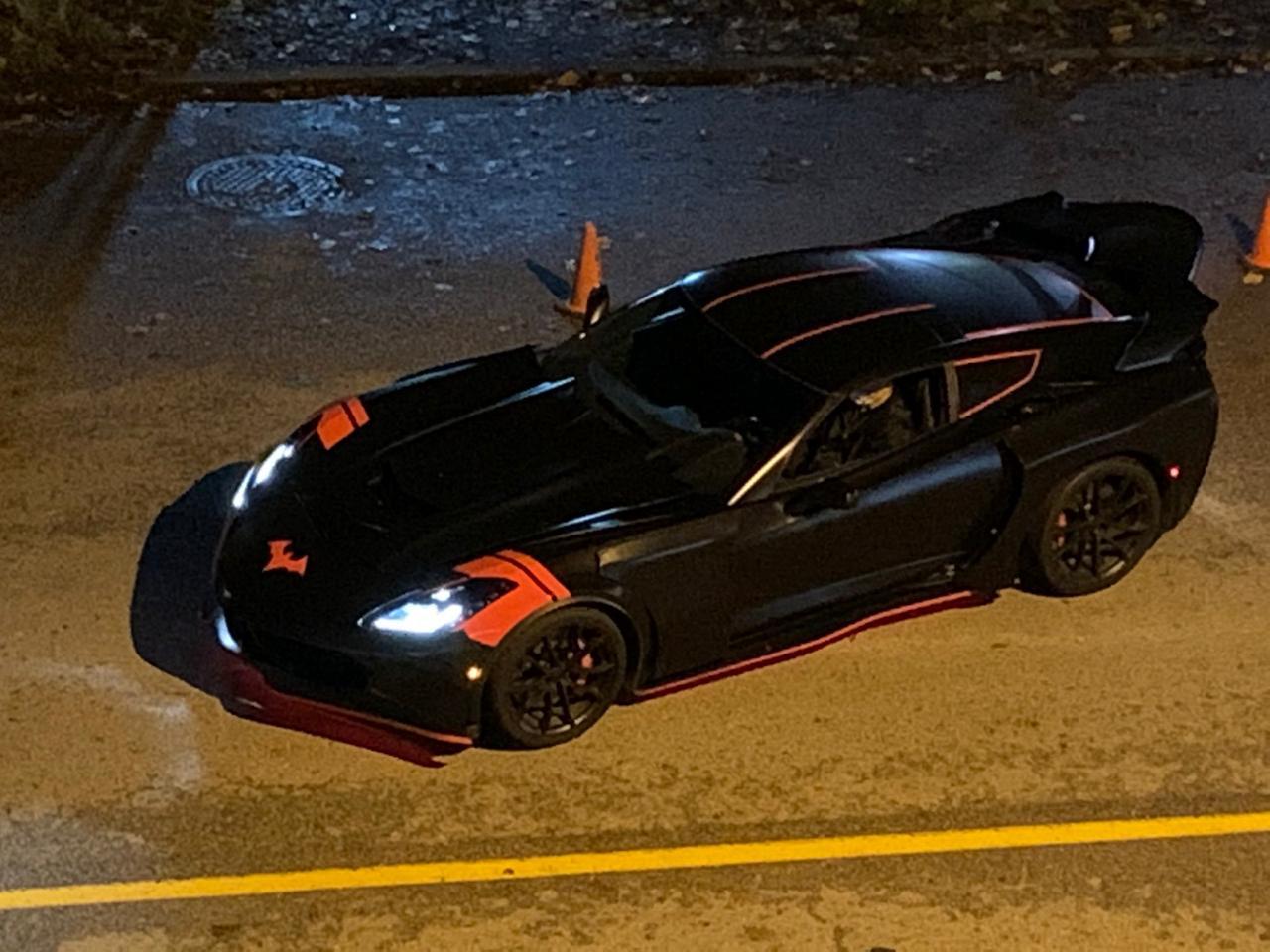 Batwoman | Vídeo e fotos do set mostram novo Batmóvel