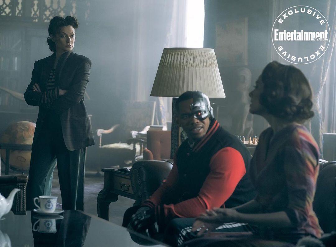 Michelle Gomez aparece como Madame Rouge em nova imagem da terceira temporada de Patrulha do Destino
