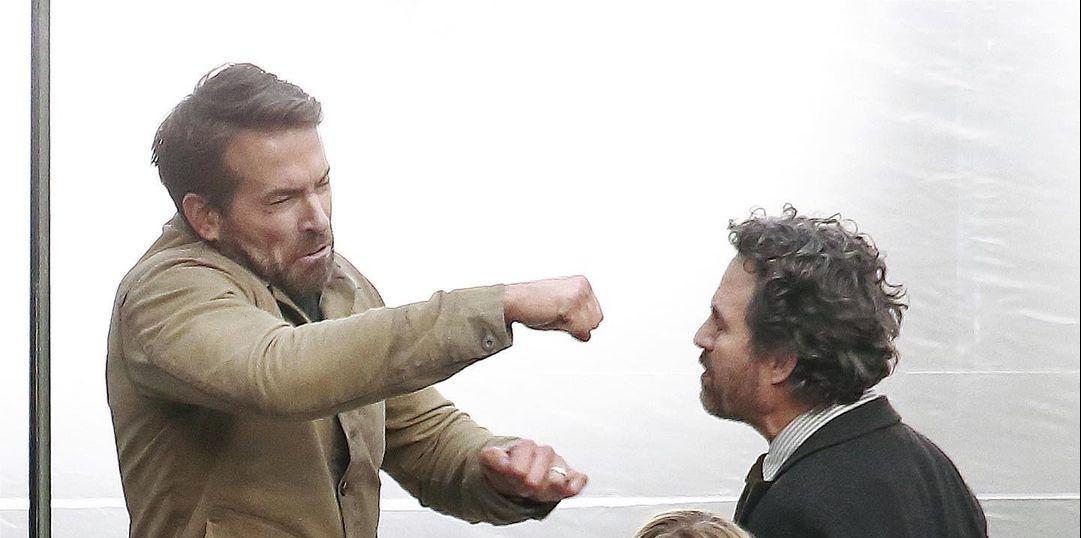 Ryan Reynolds e Mark Ruffalo voltam ao set de The Adam Project em novas fotos