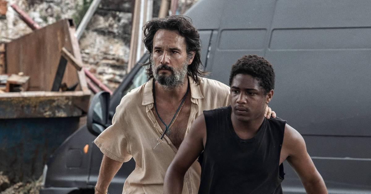 7 Prisioneiros, filme nacional da Netflix, ganha cena exclusiva