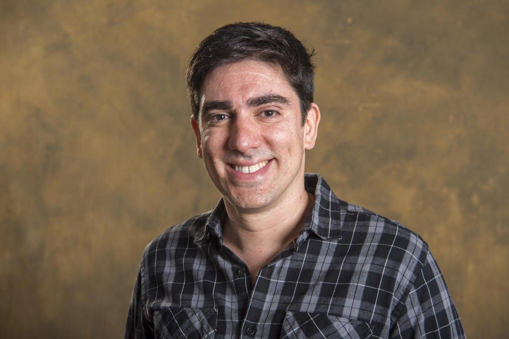 Marcelo Adnet ganha programa para narrar CPI da Covid no Globoplay