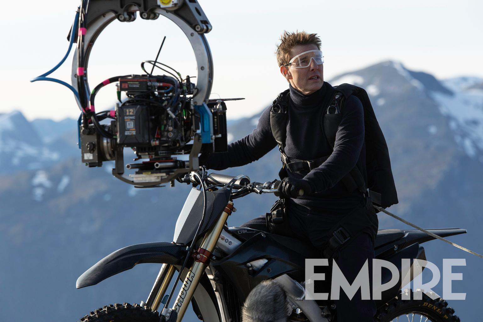 Tom Cruise fala sobre pular de penhasco numa moto em Missão Impossível 7