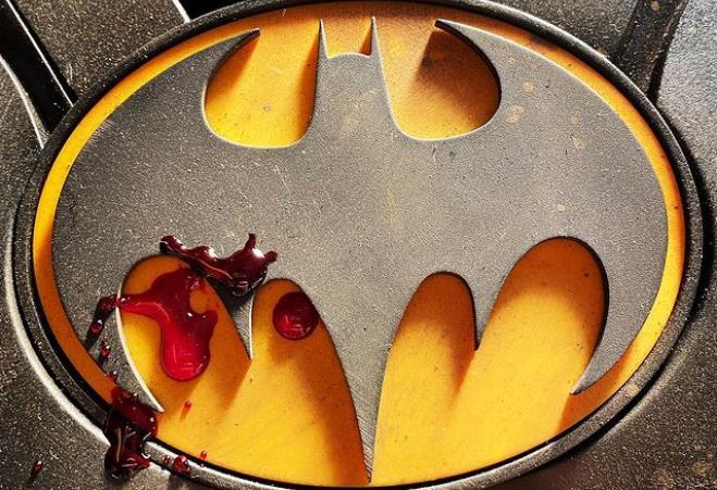 The Flash: Diretor do filme revela parte do uniforme do Batman de Michael Keaton