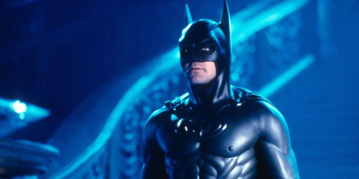 George Clooney brinca que não recebeu ligação para voltar como Batman no filme do Flash