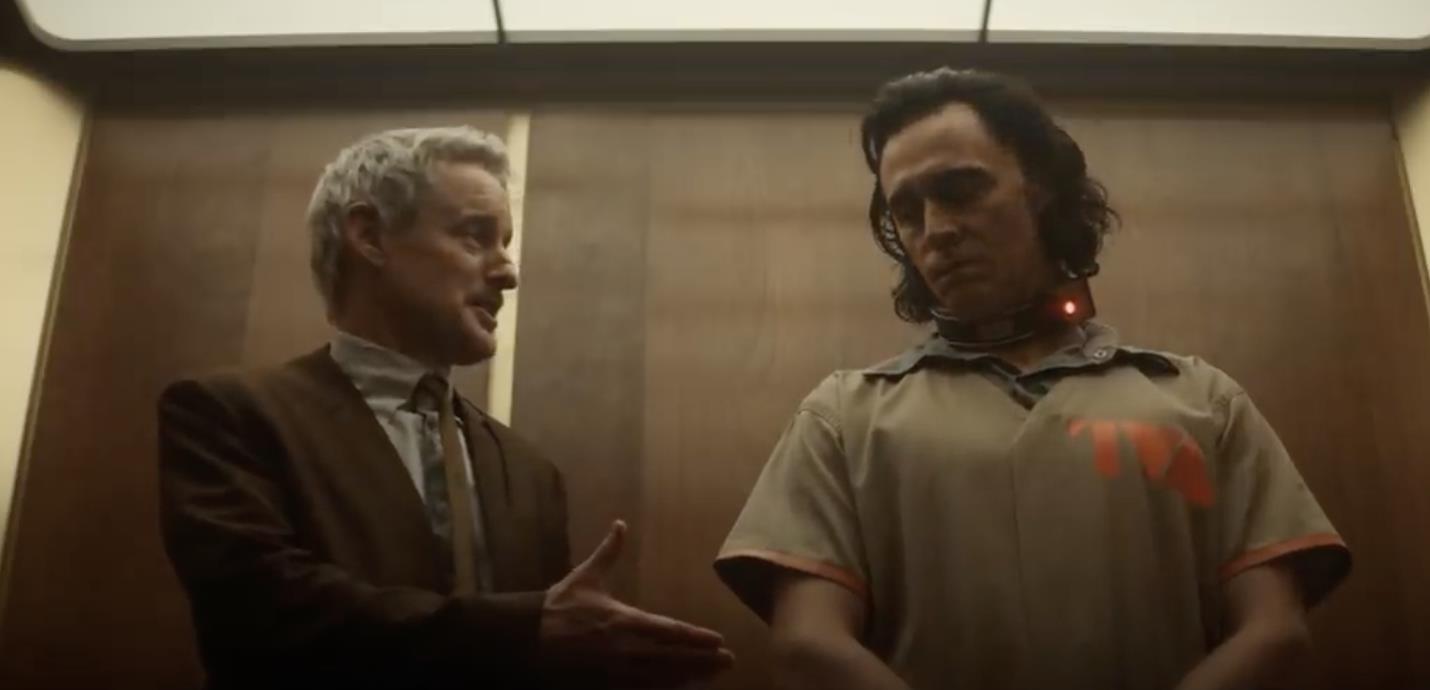 Loki apresenta Agente Mobius em novo clipe da série